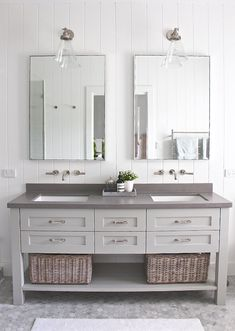 Bathroom Tub: The Complete Guide to Choosing Your Bathroom - Home Fashion Trend Guest Bathrooms, Upstairs Bathrooms, Chic Bathrooms, Amazing Bathrooms, Small Bathroom, Bathroom Wall, Master Bathroom, Bathroom Ideas, Grey Bathroom Vanity
