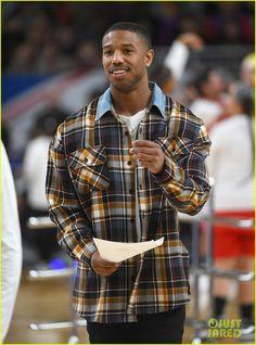 Black Panther's Michael B. Jordan Flaunts Muscles at NBA All-Star Celebrity Game! | michael b jordan nba all star game 04 - Photo