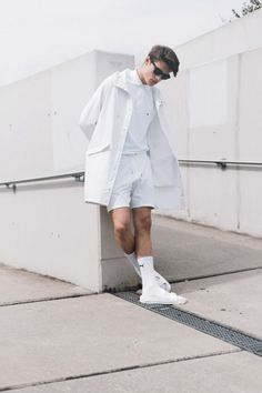 off-white. all day. love this kinda style