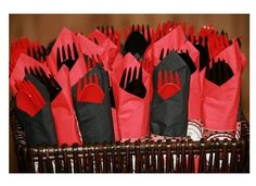 Black and red flatware. Baby Ladybug, Ladybug Party, 50th Birthday Party, Boy Birthday, Birthday Ideas, Baby Shower Themes, Baby Boy Shower, Shower Ideas, Bolo Neon