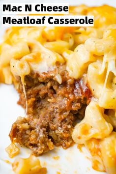 Mac and Cheese Meatloaf Casserole is a hearty dinner recipe with a ground beef meatloaf base with macaroni and cheese baked on top. dinner with ground beef Mac and Cheese Meatloaf Casserole - This is Not Diet Food Easy Ground Beef Casseroles, Ground Beef Recipes Easy, Beef Recipes For Dinner, Vegan Recipes Easy, Amish Recipes, Dutch Recipes, Kraft Recipes, Top Recipes, Macaroni And Cheese Casserole