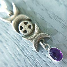 ➢➢ ɴᴇᴡ ᴅᴇsɪɢɴ ᴀʟᴇʀᴛ ➣➣ XOX pendant ғᴇᴀᴛᴜʀɪɴɢ an Amethyst Gemstone.  Shop now at my #etsystore