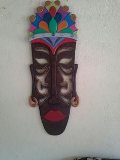 Mascara africana en madera hecha en casa. Pintada en patina y oleos-didacticos gonzo - Caloto