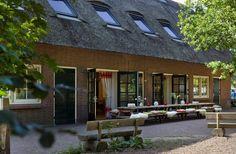 Vergaderlocatie/groepsaccommodatie Bakkums Hoeve op camping Bakkum. Meer informatie: http://www.bakkumshoeve.nl