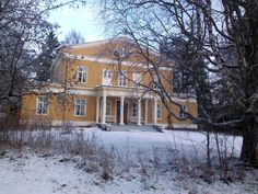 Haminalahden kartano, Haminalahti Manor in Kuopio. Home of famous Finnish painters, von Wright brothers, specialized in birds. Mansion Houses, Wright Brothers, Old Mansions, Swedish Design, Country Estate, Neoclassical, Old Buildings, Old Houses, My Dream Home