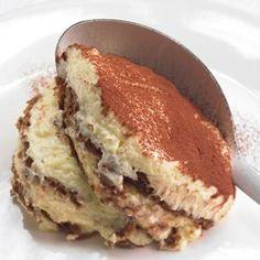 Rezept von Cornelia Poletto: Spekulatius-Tiramisu - List of the best food recipe Mini Desserts, Christmas Desserts, Dessert Sauces, Dessert Recipes, Xmas Food, Rice Krispies, Eat Dessert First, Savoury Cake, Winter Food