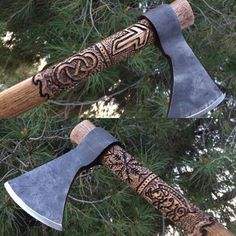 """«NEW AXE FOR SALE! (In my shop) """"Gullinbursti Viking Thrower"""" --- one of a kind hand carved handle with the image of a boar/ aegishjalmur/ simple knot and… Vikings, Throwing Axe, Tomahawk Axe, Axe Handle, Beil, Viking Axe, Blacksmith Projects, Battle Axe, Norse Mythology"""