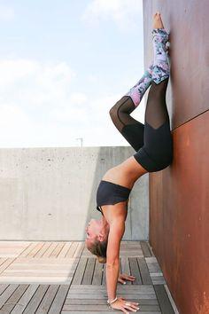 hollow back prep | yoga #YogaPosesandStretches