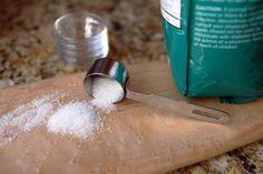 How to Soak Open Wounds in Epsom Salt