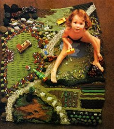 "From Jan Messent's book ""Knitted Gardens"". This idea could be adapted using crochet. Create a ""play blanket"" for kids. Diy Tricot Crochet, Crochet Lace, Do It Yourself Inspiration, Rug Inspiration, Waldorf Toys, Cool Rugs, Diy Toys, Kids Playing, Sewing Projects"