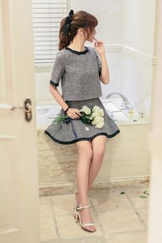Japanese Fashion - Gray Short-sleeved shirt + A word skirt suit