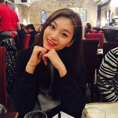 Doyeon looking as pretty as ever! Sit Still Look Pretty, How To Look Pretty, K Pop, South Korean Girls, Korean Girl Groups, Jung Chaeyeon, Choi Yoojung, Kim Sejeong, Korean Aesthetic