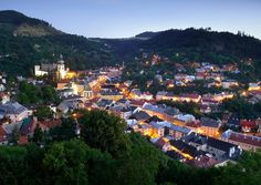 Historic Town of Banská Štiavnica and the Technical Monuments in its Vicinity/ Unesco Word Heritage List Palaces, Monuments, Heritage Center, World Heritage Sites, San Francisco Skyline, Paris Skyline, Traveling By Yourself, Dolores Park, Landscape