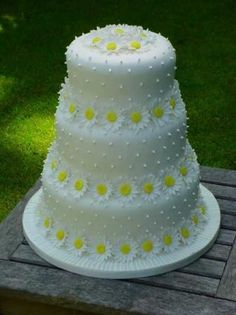 Reminds me of my wedding cake!