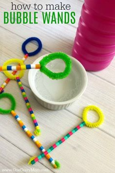 Learn how to make a bubble wand. Make this diy bubble wand for tons of fun. Homemade bubble wands are easy to make. Kids will love decorating the wands with beads. Homemade Bubble Wands, Homemade Bubble Solution, Giant Bubble Wands, Bubble Diy, Homemade Bubbles, Giant Bubbles, Cute Kids Crafts, Crafts For Kids To Make, Projects For Kids