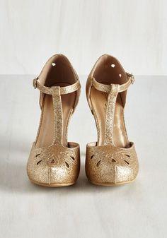 The Zest Is History Heel in Glittery Gold | Mod Retro Vintage Heels | ModCloth.com