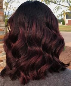 #NotStayingBlueToday #BurgundyColors 😘Try 17+ Unique Red Hair Color Ideas For Short Hair! #Followme #Cool  Summer Ideas for brunettes for summer Grey Balayage Auburn Half and half Cool Brunette Split Men Highlights Ideas for brunettes with red Dark red Spring Crazy Techniques Cool blonde Streaks Black 2020 Red and blonde For fair skin Korean Silver Ideas for brunettes balayage Winter Ideas for black women Burgundy Hair With Highlights, Red Burgundy Hair Color, Burgundy Balayage, Hair Color For Black Hair, Hair Highlights, Red Purple, Peekaboo Highlights, Burgundy Makeup, Black Cherry Hair Dye