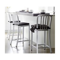 Delta features straightforward styling in pure aluminum, anodized for a sleek, durable finish. Classic and contemporary, the stool has a casual look that mixes well with metal, wood or glass furnishings.