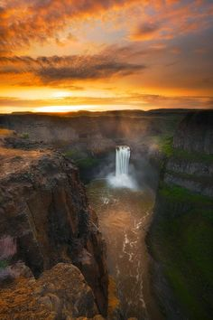Palouse Falls, Washington: - PixoHub. Please like and repin this pin https://www.pinterest.com/pin/353321533242598779/