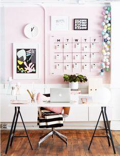 30 ideias incríveis de decoração de home office para quem procura por inspirações para o ambiente de trabalho dos sonhos!