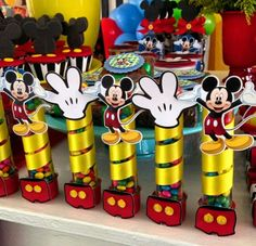 Decoração festa do Mickey Mouse Mickey Mouse Party Favors, Mickey Mouse Centerpiece, Mickey Mouse Decorations, Fiesta Mickey Mouse, Baby Mickey Mouse, Mickey Mouse Clubhouse Birthday, Mickey Mouse Parties, Mickey Party, Mickey Mouse Birthday