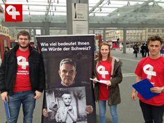 Sammelaktion für Wiedergutmachungsinitiative unter dem Hauptbahnhof-Baldachin in Bern #wiedergutmachen