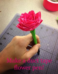 Easy duct tape flower pen instructions -- We did these with patterned duct tape. Made cute desk decorations. Duct Tape Pens, Duct Tape Rose, Duct Tape Flowers, Paper Flowers, Craft Flowers, Faux Flowers, Washi Tape, Duct Tape Projects, Duck Tape Crafts