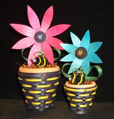 2017 Bloomin' Bee Basket - 2 Sizes - Large - $36.99 and small - $32.99 Baskets, Planter Pots, Bee, Miniatures, Heart, Crafts, Basket, Bees, Crafting