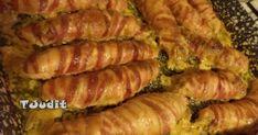 Baconszeletekbe göngyölt töltött csirkemell recept képpel. Hozzávalók és az elkészítés részletes leírása. A Baconszeletekbe göngyölt töltött csirkemell elkészítési ideje: 120 perc Ketogenic Recipes, Diet Recipes, Vegan Recipes, Keto Dinner, Diy Food, Bacon, Sausage, Food And Drink, Tasty