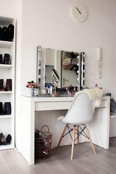 INTERIOR | Updated Make-Up Vanity Tour