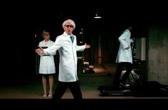 How Many People Wearing Lab Coats Do You See In This Video? It's Not As Easy As You Think