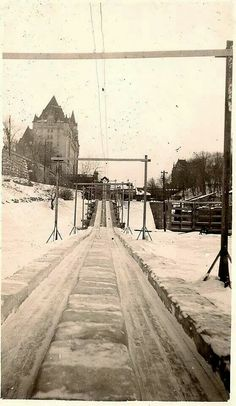 Toboggan slide beside Chateau Laurier . Old Pictures, Old Photos, Vintage Photos, Ottawa Ontario, O Canada, Largest Countries, Old City, Photo Archive, Historical Photos