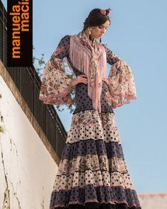 Colección de trajes de flamenca, vestidos de gitana, Moda flamenca, diseñadora Manuela Macías Flamenco costume design San Bartolomé de la Torre Huelva Flamenco Costume, Moda Boho, Fashion Bracelets, Boho Fashion, Bohemian, Dresses With Sleeves, Costumes, Boho Style, Long Sleeve
