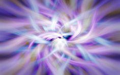 Maestros de Reiki creen que el pensamiento es energía que vibra a una frecuencia muy alta mientras que el cuerpo humano es energía que vibra a una frecuencia más baja. Las vibraciones producen acci…