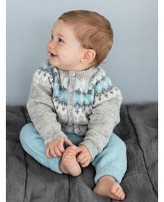 New baby boy crochet sweater fair isles ideas Baby Boy Knitting, Baby Girl Crochet, Crochet For Boys, Baby Boy Outfits, Kids Outfits, Baby Barn, Nordic Sweater, Cute Baby Photos, How To Purl Knit