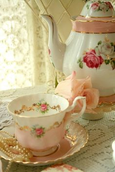 pretty pink vintage tea cup and rose tea pot
