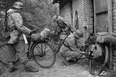 Radfahrzug (bicycle equipped infantry) of a Volksgrenadier division 1944.