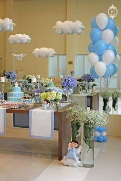 Festa de Anjo por Patrícia Junqueira. Baby Shower, Table Decorations, Furniture, Home Decor, Shower Ideas, Angels, Fiestas, Wall, Baby Sprinkle Shower