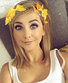 ♡ On Pinterest @ kitkatlovekesha ♡ ♡ Pin: Snapchat ~ Zoella Butterfly Crown Filter ♡