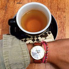 Tea time entre copines ☕️☁️#verymojo #watches #montre #teatime #saturday #paris #copines ► www.verymojo.com ◄