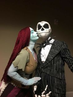 Couples Halloween Costumes Creative, Cool Couple Halloween Costumes, Best Couples Costumes, Hallowen Costume, Adult Halloween, Creative Halloween Costumes, Costume Ideas, Halloween Makeup, Halloween Ideas