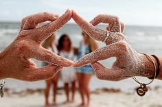 asa or gamma iota hands at beach Tri Delta, Alpha Sigma Alpha, Sigma Kappa, Kappa Delta, Sorority Poses, Sorority Life, Go Greek, Greek Life, Sorority Pictures