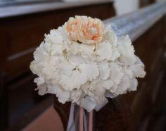 Gesteck Kirchenbank Hochzeit