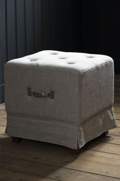 square padded linen footstool w/metal handle (Riviera Maison)