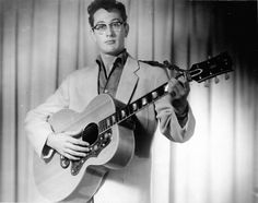 Oh boy - it's Buddy Holly! The rock music legend died at but left his mark on the world - Click Americana 1950s Rock And Roll, Rock N Roll, Rock Music, My Music, Buddy Holly Musical, Elvis Presley Pictures, Ritchie Valens, Perry Como, Blues