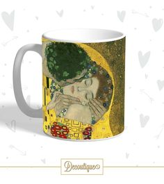 """TAZZA  Gustav Klimt - """"Il Bacio"""" Codice: TZZ020  Per prenotare la tua Tazza contattaci in privato o all'indirizzo email info@decoutique.it Personalizza la tua Tazza con lo stile più adatto a te. Affidati a noi per la tua proposta grafica!"""