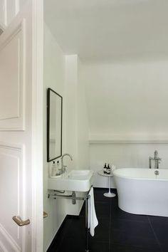 A classy white bathroom