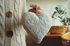 Ľanové srdce s levanduľou - biele