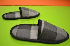 "Search for ""papuče"" - Kurzy šitia Pool Slides, Flip Flops, Sandals, Men, Shoes, Handmade, Fashion, Slide Sandals, Moda"