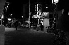 #streetphotography #people #peoplewatching #pointofmyview #landscape #lifestyle #snapshot #ig_japan #ig_snapshots #ig_worldclub #ig_monochrome #monochrome #cityspace #urbanlandscape #walkingaround #wathingpeople #japan #japanfocus #ファインダー越しの私の世界 #日常風景 #スナップショット #fujifilm_xseries #team_fuji #ordinarydays #nightshot #nightphotography #Instagramjapan #街撮り #スナップ写真